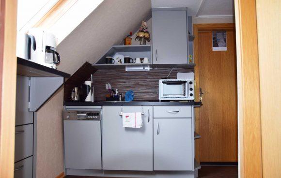 Küche-auf-dem-flur-für-die-Zimmer-oben